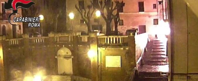 Spacciatore dà fuoco a un negozio di canapa light