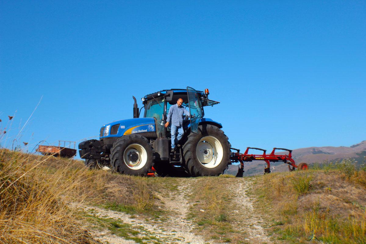 Agricoltore canapa Cecconi